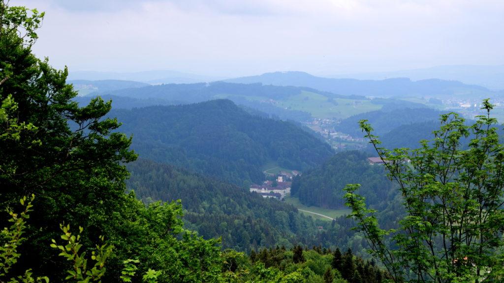 Blick hinunter aufs Kloster Fischingen
