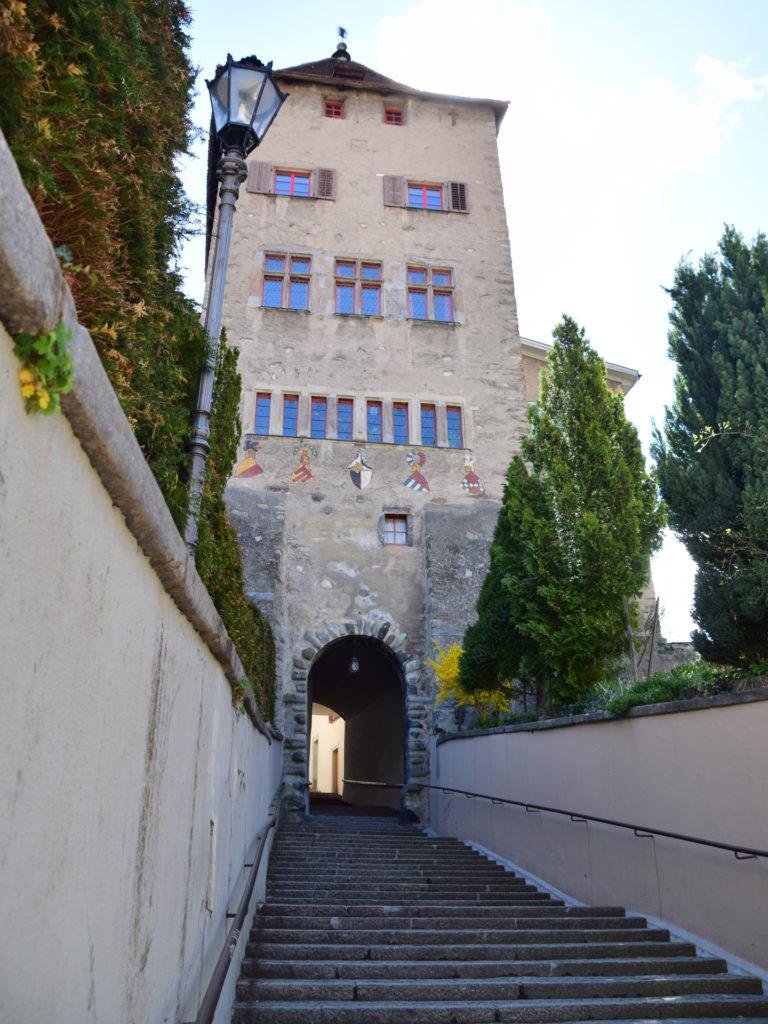 Aufgang zum Hof und zur Kathedrale